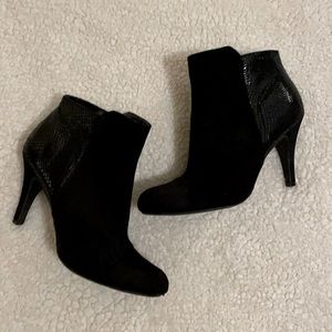 Express Size 7 Faux Suede/Snakeskin Ankle Bootie